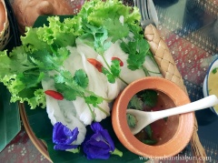 Chanthauboon's soft rice cakes with sauce